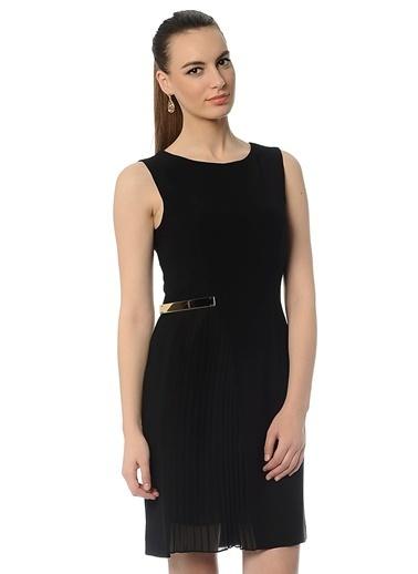 Cotton Bar Kolsuz Pileli Kısa Elbise Siyah